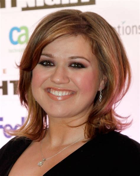 hairstyles for round face with chubby cheeks 18 outstanding hairstyles for round long and fat faces