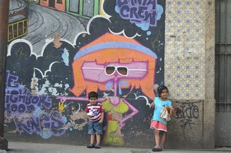 children  paint  walls santa teresa street
