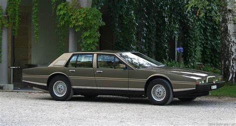 aston martin lagonda 1974 1974 aston martin lagonda photos informations articles