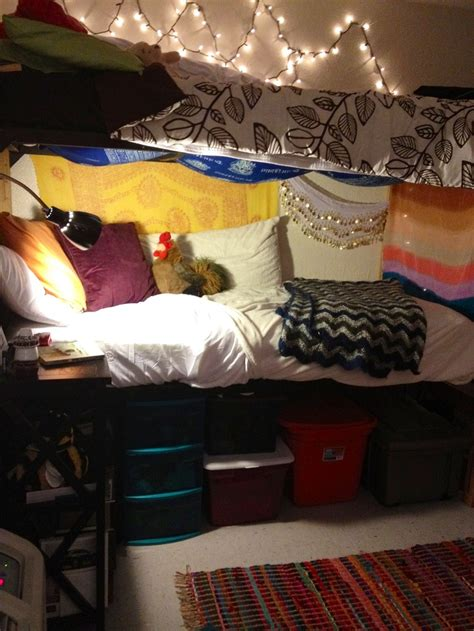 Bunk Beds For College Students Best 25 Bottom Bunk Ideas On Loft Bed Decorating Ideas Bed Curtains And