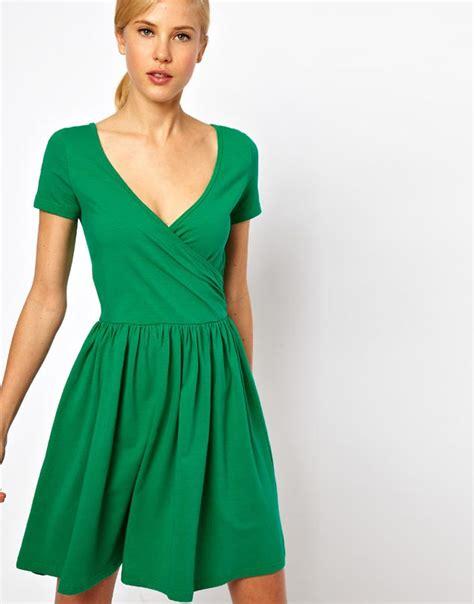 green dress fave finds green dresses