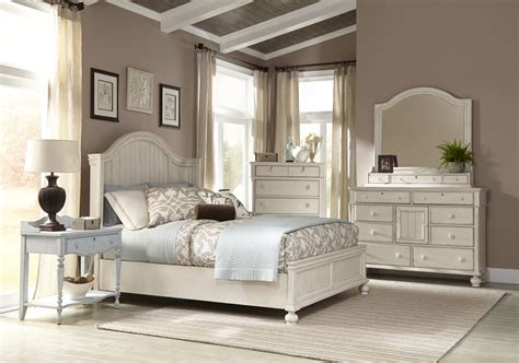 american woodcrafters newport 4 piece panel bedroom set in