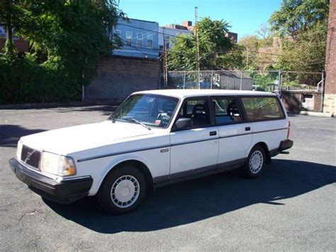 sell    volvo station wagon  year  production  bronx  york united