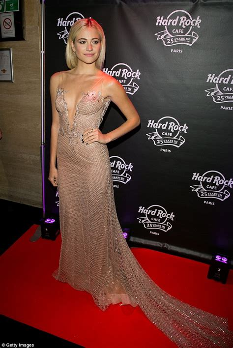 Dress Pixi pixie lott dresses in figure hugging gold dress with low