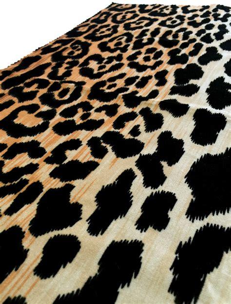 leopard fabric duralee s leopard print velvet fabric decoratorsbest blog