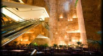trumps home in tower midtown restaurants bars shopping trump tower nyc