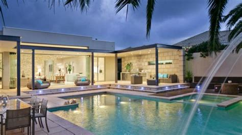 dog house adelaide former prime minister julia gillard buys 2m beachside house in her home town of