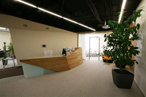 streamlined flair in modern office interior design