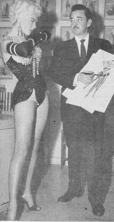 COSTUMES ( les hommes préfèrent le blondes ) - Marilyn