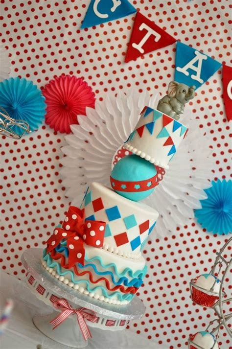 sweet carnival cakes vintage circus carnival themed cake vintage circus