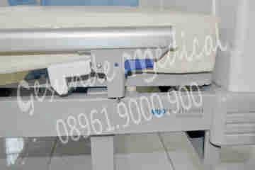 Tempat Tidur Besi 6 Kaki tempat tidur rumah sakit 2 fungsi hcb7031r new color