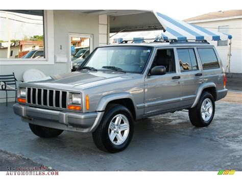 jeep cherokee 2001 2001 jeep cherokee classic in silverstone metallic