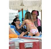 Courteney Cox In Jeans On Cougar Town Set 10 Full Size