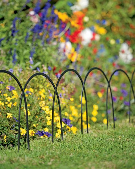 Flower Garden Fence Cheap And Attractive Garden Edging Fence Fence Ideas