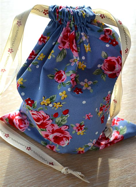 how to make a simple drawstring bag the sewing sessions