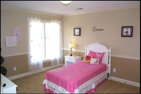 two tone painted walls with chair rail two tone wall with chair rail for the home