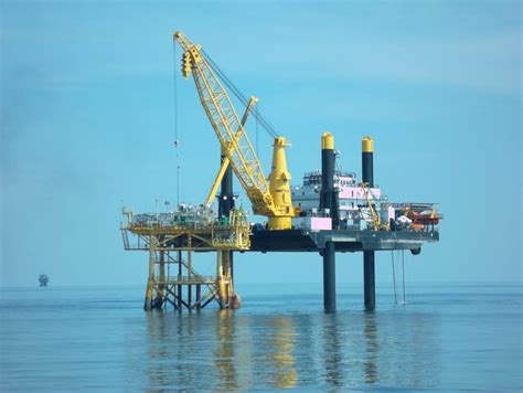 the boat lift company montgomery tx liftboat robert self elevating vessel lift boat marine