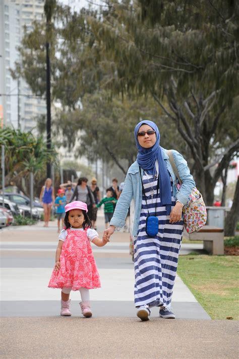 Harga Baju Merk Planet Surf asyiknya liburan di gold coast oleh ade kumalasari