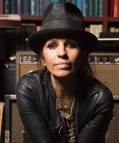 linda perry in my dreams linda perry deep dark robot lyrics photos pictures
