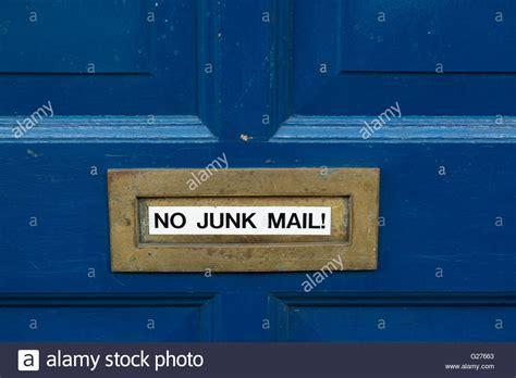 Blauer Aufkleber Briefkasten by Junk Stockfotos Junk Bilder Alamy
