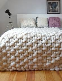 best 25 chunky knit blankets ideas on pinterest chunky