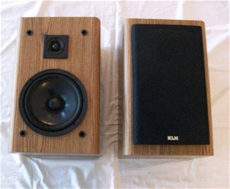 klh bookshelf speakers 140 watts