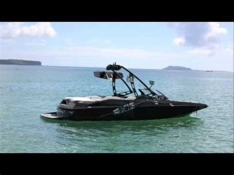 axis boats youtube wakeboarding behing the axis a22 youtube