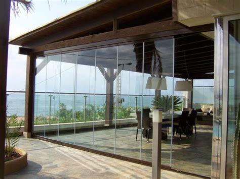 cortinas para terraza decoraci 243 n de una terraza con cortinas de cristal