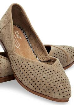 are toms shoes comfortable for walking 1000 ideas about travel shoes on pinterest best shoes