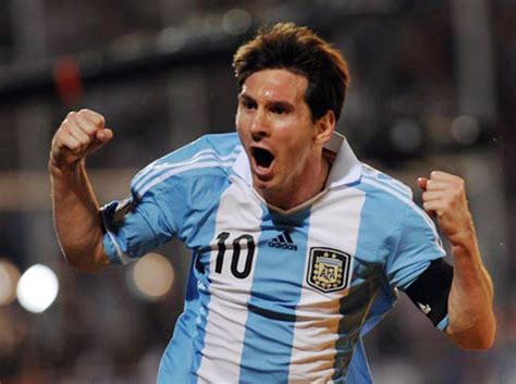 messi biography book 2015 video lionel messi dominated opponents at 5 years old bso