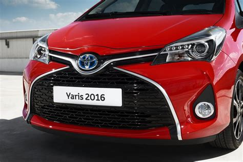 new toyota 2016 2016 toyota yaris imbued with new bi tone version we ll