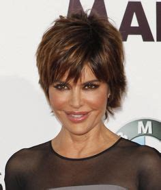 lisa rinna hairstyle pictures 2015 1000 images about hair on pinterest lisa rinna short