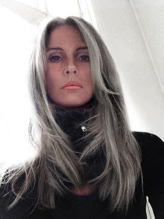 annika von holdt s heartfelt article on going gray 50 grey annika von holdt pelo plateado gris y color de pelo