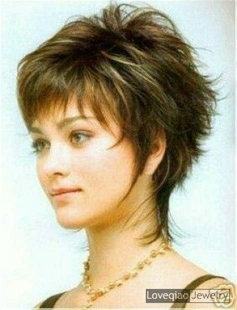 short womens hair cuts with fat faces and neck short haircuts for fat faces