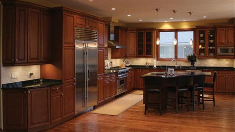 wood floors in kitchen with wood cabinets maple kitchen cabinets and wall color home design jobs