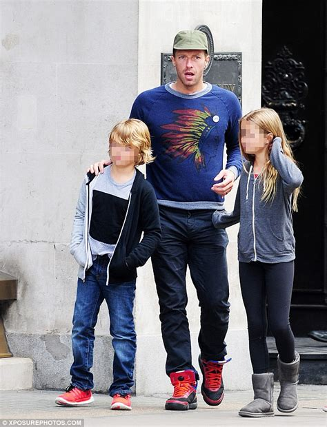 chris martin and gwyneth paltrow kids chris martin with his children on father s day as gwyneth