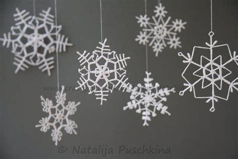 Fensterdekoration Weihnachten Mit Vorlagebö Und Einem Kreidestift by H 228 Kelanleitung Schneeflocken Als Fensterdekoration