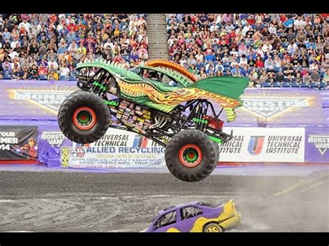 youtube monster jam trucks dragon monster truck crash monster jam 2015 youtube