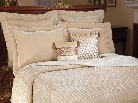 chagne coverlet seasons change fall bedding schweitzerlinen