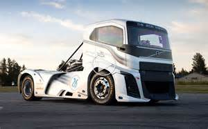 The Mad In The Volvo Volvo Trucks The Iron Er Verdens Hurtigste