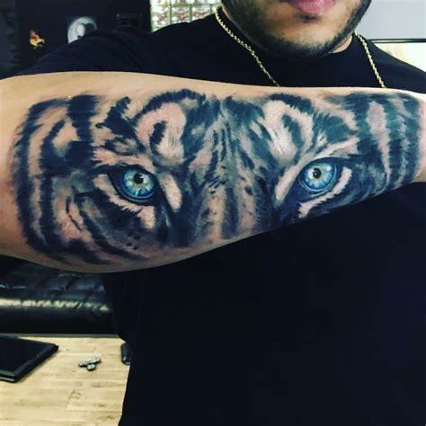tiger eyes tattoo best 25 tiger ideas on tiger