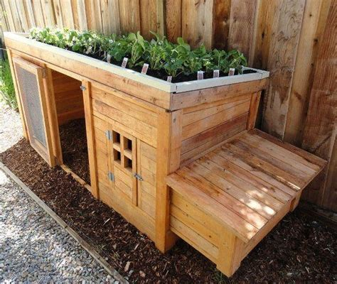 Handmade Rabbit Hutch - herb garden coop plans up to 4 chickens gardens green