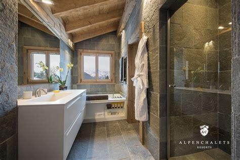 Moderne Badezimmer Mit Dusche Und Badewanne by Luxuri 246 Ses Wellnesschalet Diane Verbier H 252 Ttenurlaub In