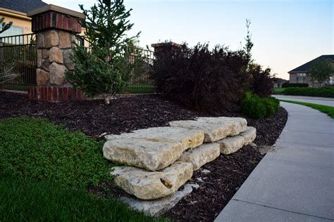 natural landscaping pictures