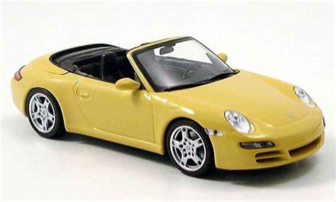 Diecast Miniatur Replika Mobil Porsche 911997 S Coupe porsche 997 911 s cabrio yellow 2005