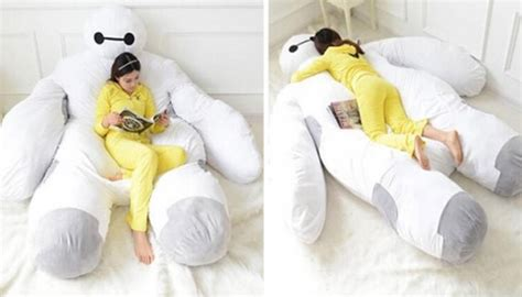 giant pillow bed this giant pillow bed is going to cure all of your problems shemazing