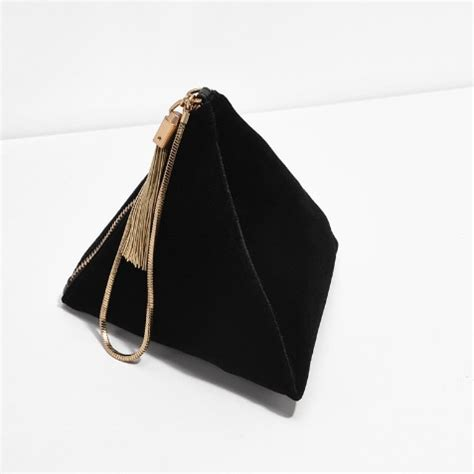 Murah 100 Original Charles Keith Chain Bag maisie williams 163 39 emmys handbag proves charles keith is the new high label to