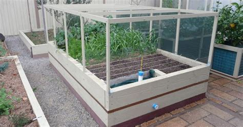 wicking worm beds fully enclosed worm wicked garden beds