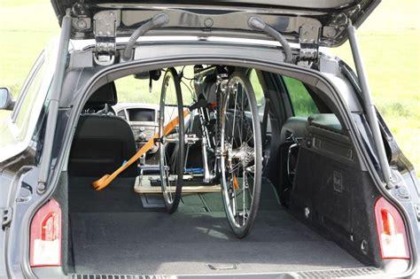 Fahrradhalterung Am Auto by Fahrrad Im Auto Transportieren Hts System Fahrradtr 228 Ger