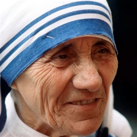 true biography of mother teresa mother teresa biography biography